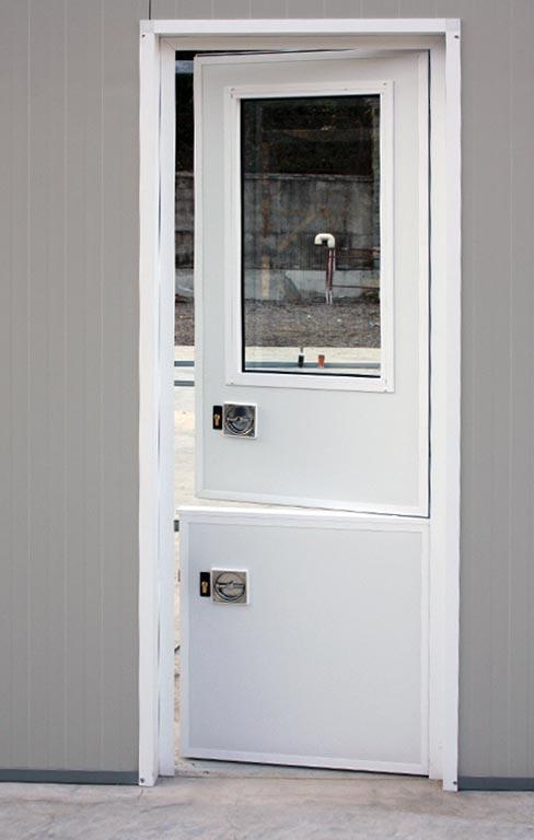 Sliding Hatch Door : Kennel dog doors and sliding hatch